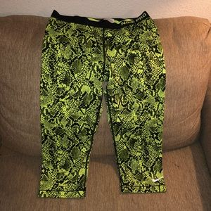 Nike pro neon green work out clothes